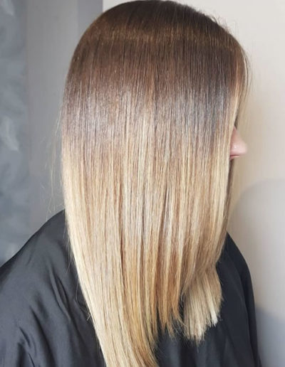 Creamy balayage on straight hair